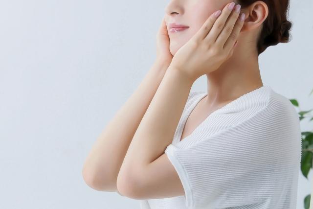 要注意マスクにきび!ぶつぶつ顔に悩む女性が続出(汗)